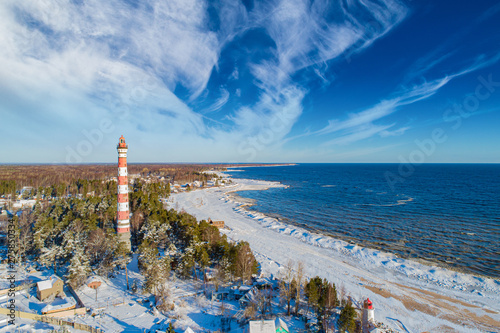 Foto auf Gartenposter Nordlicht Saint-Petersburg. Russia. Lighthouse on lake Ladoga. Osinovetsky lighthouse the view from the drone. Old lighthouse on the Ladoga coast. Landscapes of Ladoga. Leningrad region. Travel to Russia.