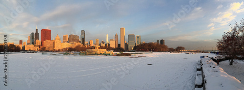 Fototapeta 180 degree panoramic view of downtown Chicago in Winter with snow and shut down Buckingham fountain during early morning dawn light obraz na płótnie