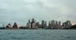 シドニーの街と往来する船のタイムラプス映像