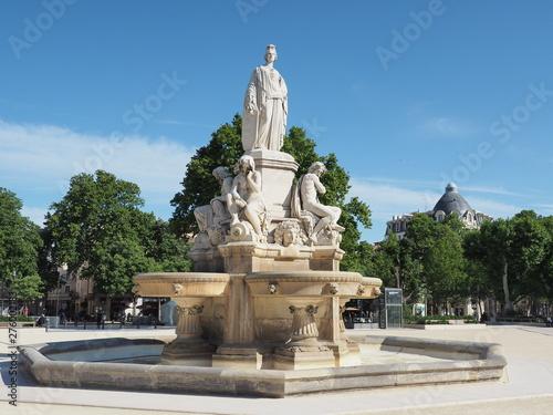Fotobehang Fontaine Nîmes