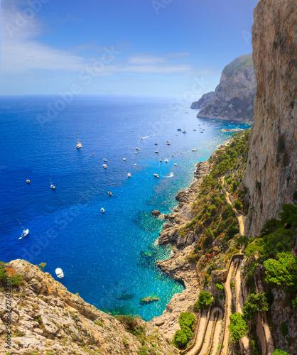 View of Via Krupp from Gardens of Augustus descending to Marina Piccola sea, Capri Island, Italy. Fototapete