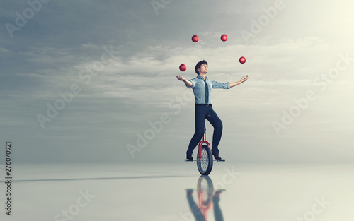 Stickers pour porte Pierre, Sable Juggling on unicycle