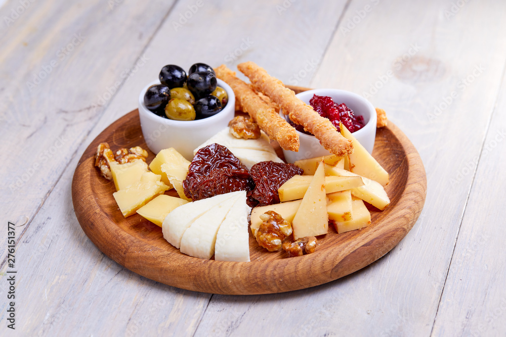 Fototapety, obrazy: cheese plate with olives