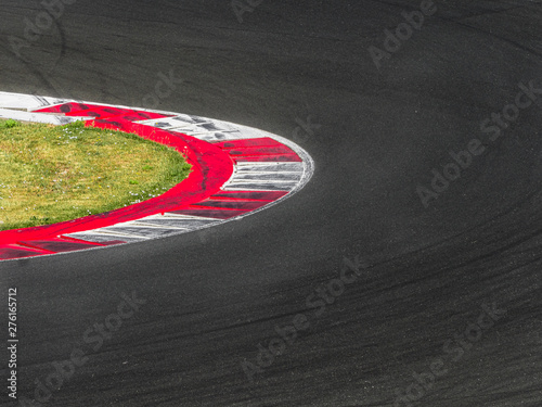 Photo sur Aluminium F1 Competitive sports track with traces of tires