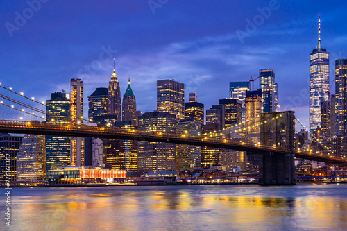 Aluminium Prints Dark blue Brooklyn bridge New York