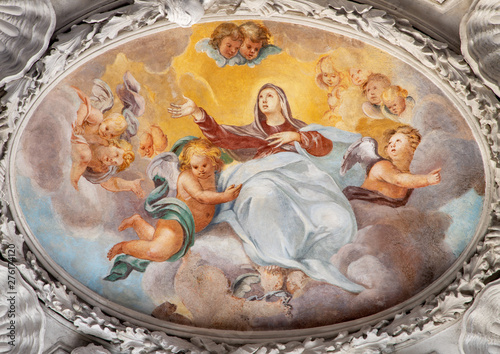 Valokuva COMO, ITALY - MAY 10, 2015: The baroque fresco of Assumption of Virgin Mary in side nave of church Chiesa di San Agostino by Morazzone from 16
