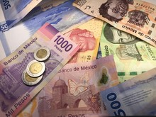 Many Mixed Mexican Peso Bills ...