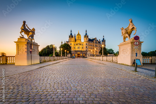 Fotografija  Schwerin palace or Schwerin Castle, northern Germany.