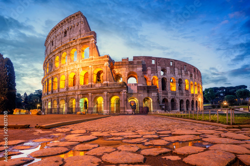 Foto Colosseum morning in Rome, Italy