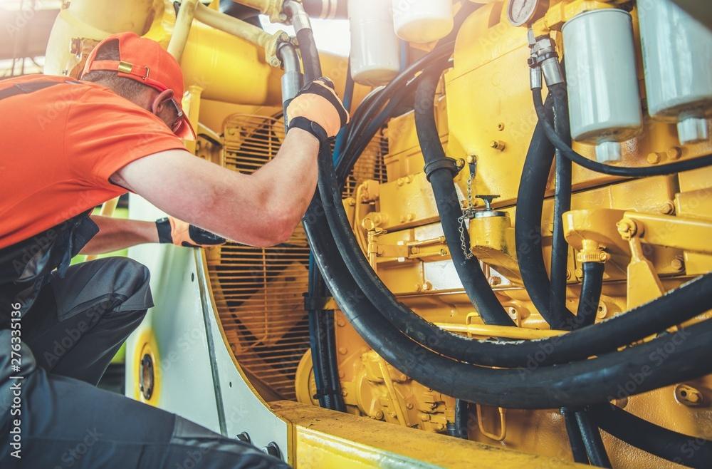 Fototapety, obrazy: Mechanic Repair Bulldozer
