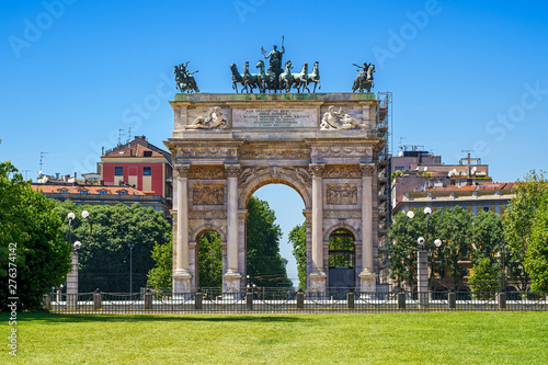Photo sur Aluminium Milan Arch of Peace (Arco della Pace) in Milan city, Italy