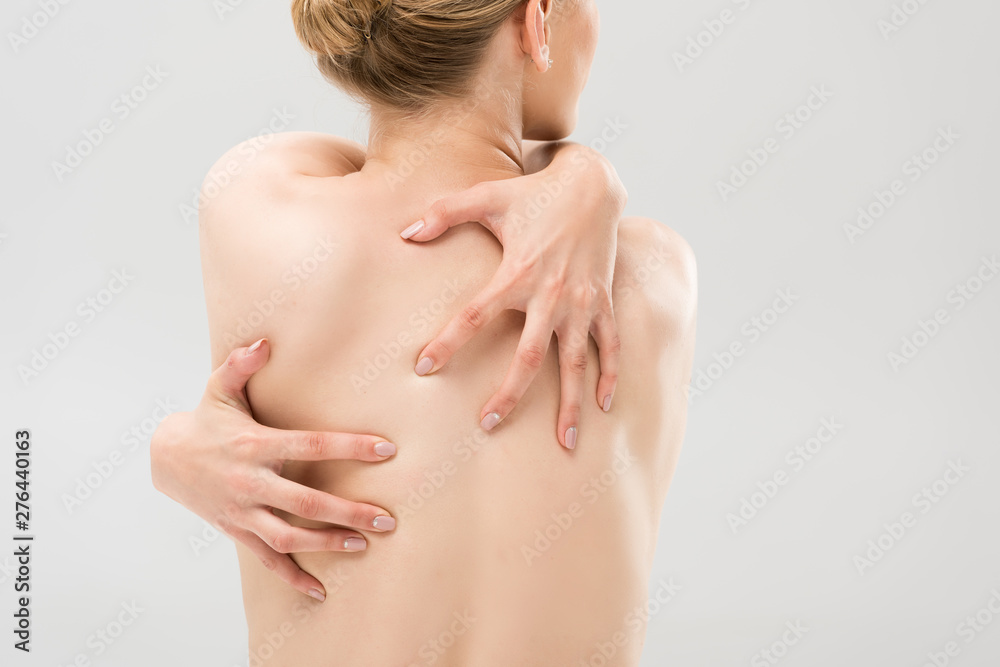 Fototapety, obrazy: back view of sexy naked woman embracing herself isolated on grey