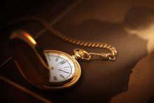 懐中時計のあるレトロ...