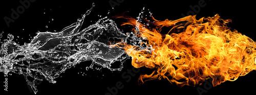 ぶつかり合う炎と水 Canvas Print