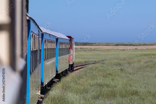 Obraz Inselbahn auf Wangerooge - fototapety do salonu
