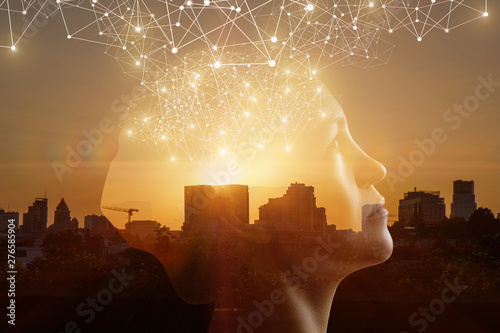 Fotografía  Concept of thinking through innovative technologies.