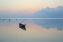 Precioso Amanecer Con Barca Y ...
