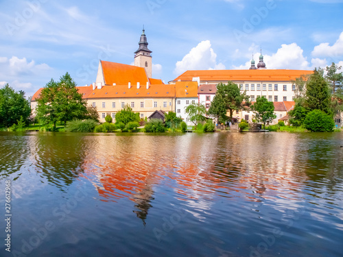 Fototapety, obrazy: Panoramic view of Telc Castle. Water reflection, Czech Republic. UNESCO World Heritage Site.