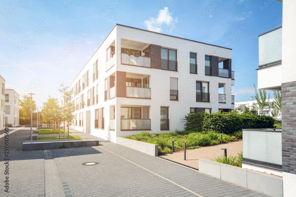 Fototapeta Residential area in the city, modern apartment buildings - obraz na płótnie