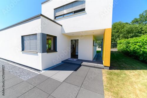 Fototapeta Einfamilienhaus, Eingang, hochwertig obraz