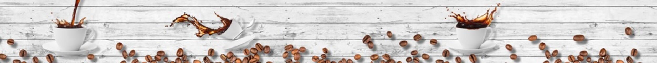 kawa z ziarnami na desce