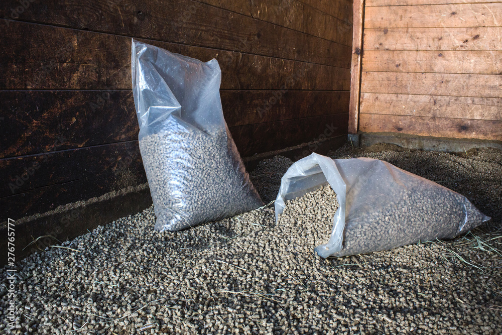 Fototapeta  pellets as a lining for horses