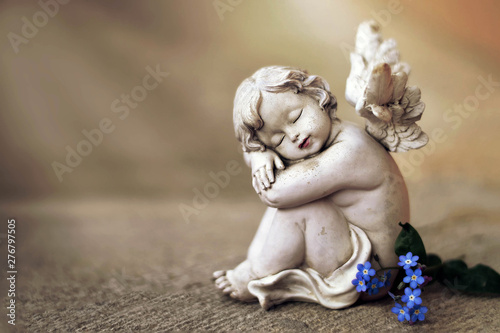 Guardian angel and spring flowers - 276797505