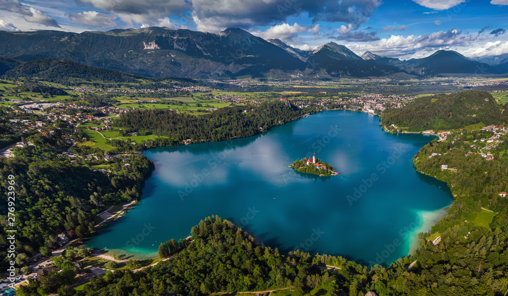Fototapety, obrazy: Bled, Slovenia - Aerial panoramic skyline view of Lake Bled (Blejsko Jezero) from high above with the Pilgrimage Church of the Assumption of Maria, Bled Castle and Julian Alps at background at summer