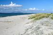 Sandstrand an der Küste von Kos, Griechenland (im Hintergrund das türkische Festland) - Beach on Kos, Grecce