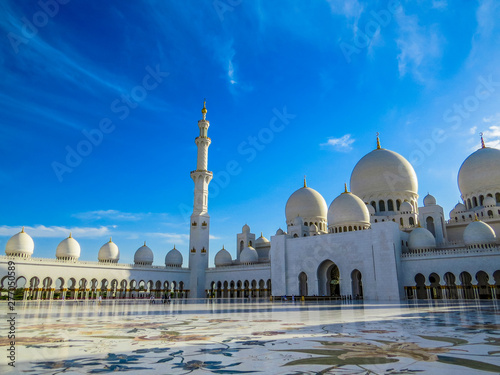 Wall Murals Abu Dhabi Sheikh Zayed Grand Mosque in Abu Dhabi, United Arab Emirates