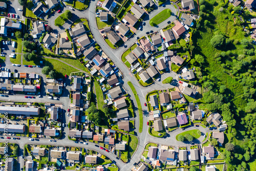 Foto Aerial view of streets and houses in the Welsh town of Ebbw Vale (UK)