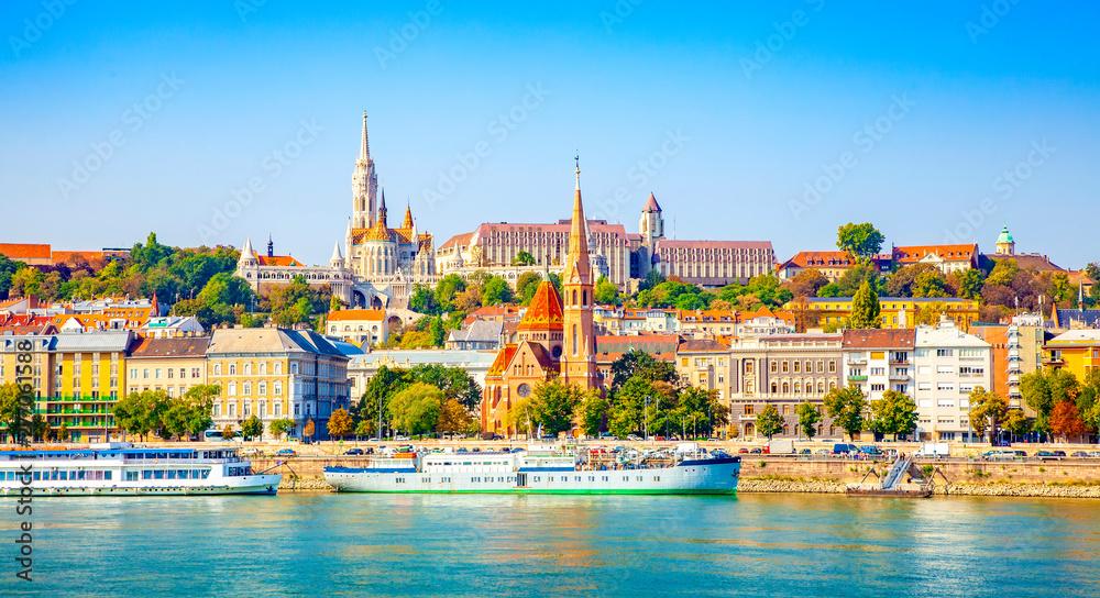 Fototapety, obrazy: Budapest skyline - Buda castle and Danube river