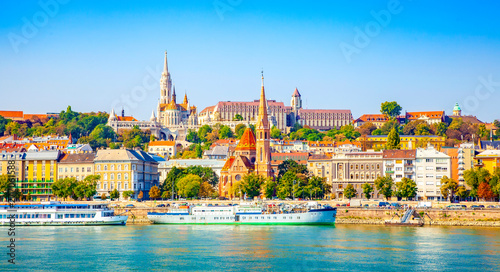 Canvas Print Budapest skyline - Buda castle and Danube river