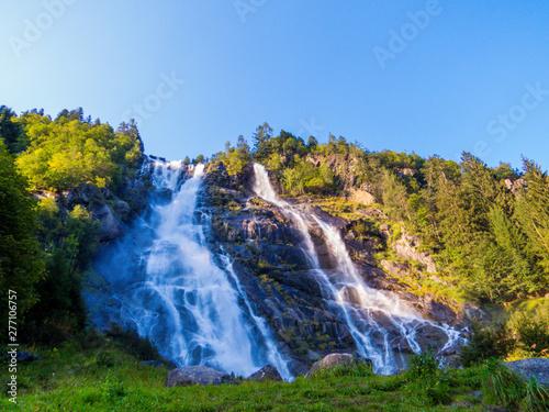 Canvas Nardis Laris Waterfalls
