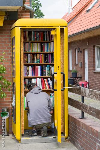 Obraz na plátně Bücherschrank
