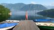 canvas print picture - jeune femme en équilibre sur un pont, concept vacances, voyage, liberté