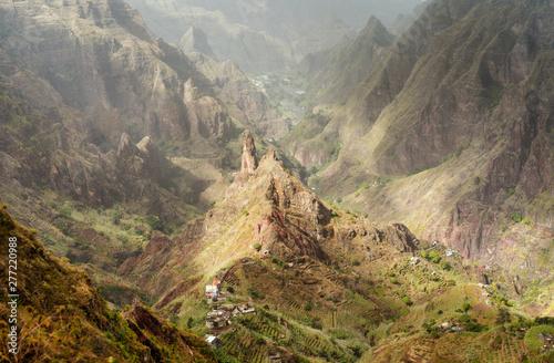 Obraz Santo Antao, Cape Verde. Mountain peak in arid Xo-Xo valley. Scenic impressive landscapes of mountain range - fototapety do salonu
