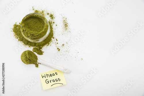 Photo Wheat grass powder, green powder, pure organic wheat grass powder
