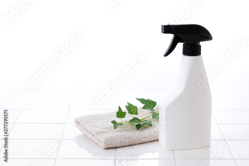 Billede på lærred 掃除 スプレー Cleaning spray bottle