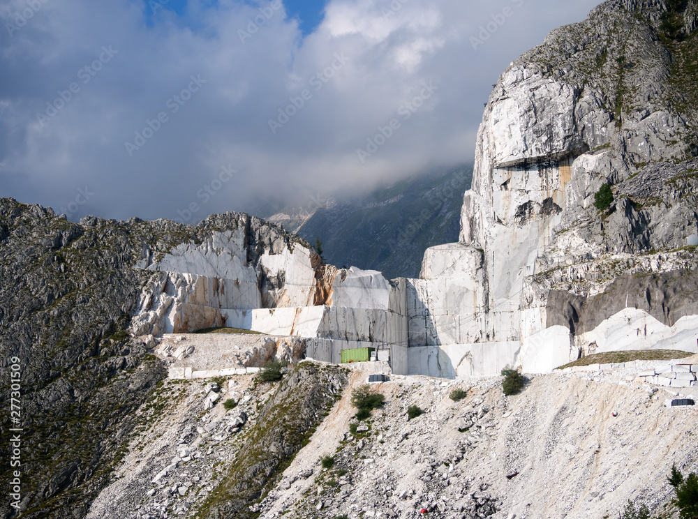 Fototapety, obrazy: Stunning view of white marble quarry, high up in the Apuan Alps, Alpi Apuane, Italy. Nobody there, no equipment.