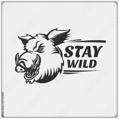Fotografia Vector emblem with wild boar for sport club