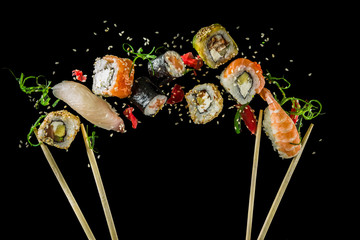 Seamless pattern with sushi...