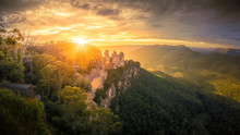 Three Sisters Blue Mountains Australia At Sunrise