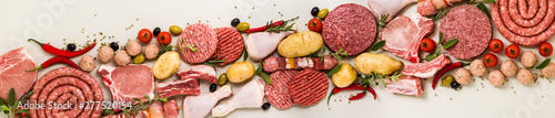 Fotomural  various types of italian raw meat with spices, vegetables and aromatic herbs