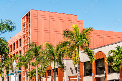 Fotografia, Obraz Fort Myers city during sunny day in Florida gulf of mexico coast shopping restau