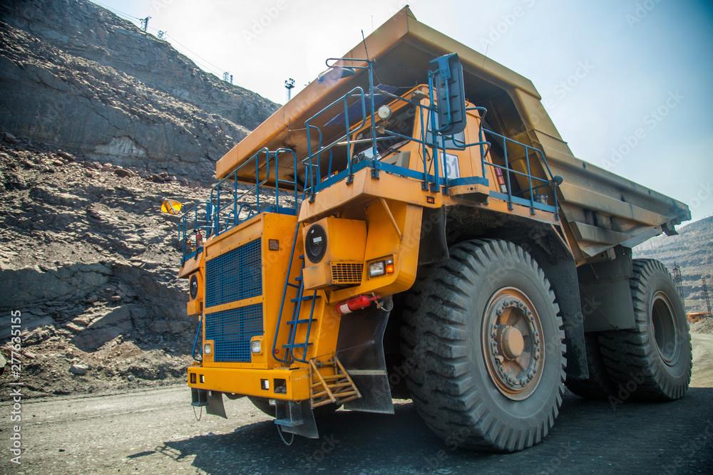 Fotografía  truck on construction site
