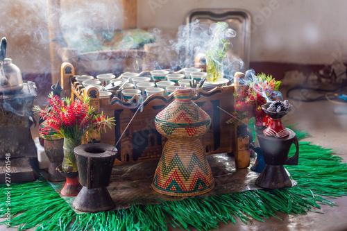 filiżanka kawy z Etiopii z aromatycznym kadzidłem