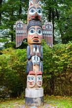 Kadjuk Bird Totem Pole At Tote...