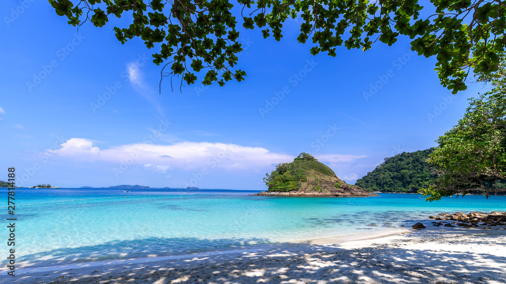 Fototapety, obrazy: beautiful beach view Koh Chang island seascape at Trad province Eastern of Thailand on blue sky background , Sea island of Thailand landscape