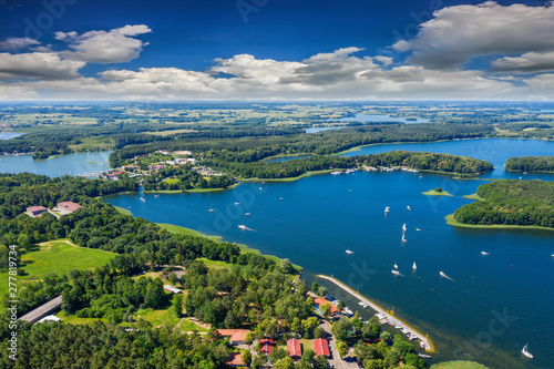 Obraz Mazury-yachts to Lake Kisajno in Giżycko - fototapety do salonu